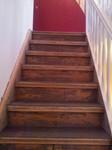 Vorher: Alte Holztreppe zur Neuverlegung vorbereitet