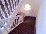 Nacher: Fertig verlegte Treppenstufen inkl. der Treppenwange